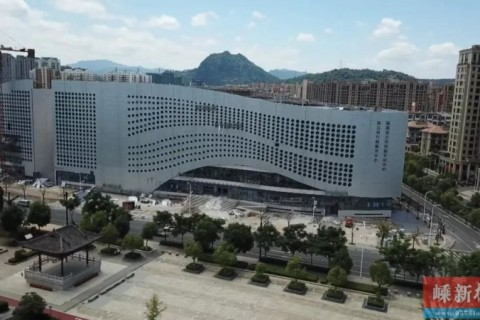 新昌这栋大楼即将完工,行政服务中心、人才市场、公共资源交易都将搬到这里!