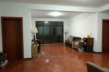 (单间出租)嵊州 三江街道忠铨村 4室 2厅 卧室大而舒适,采光好,内配物件同星级酒店配置。(个人)