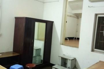 0802:600元/月惠民街拎包入住1厅1卫+阁楼